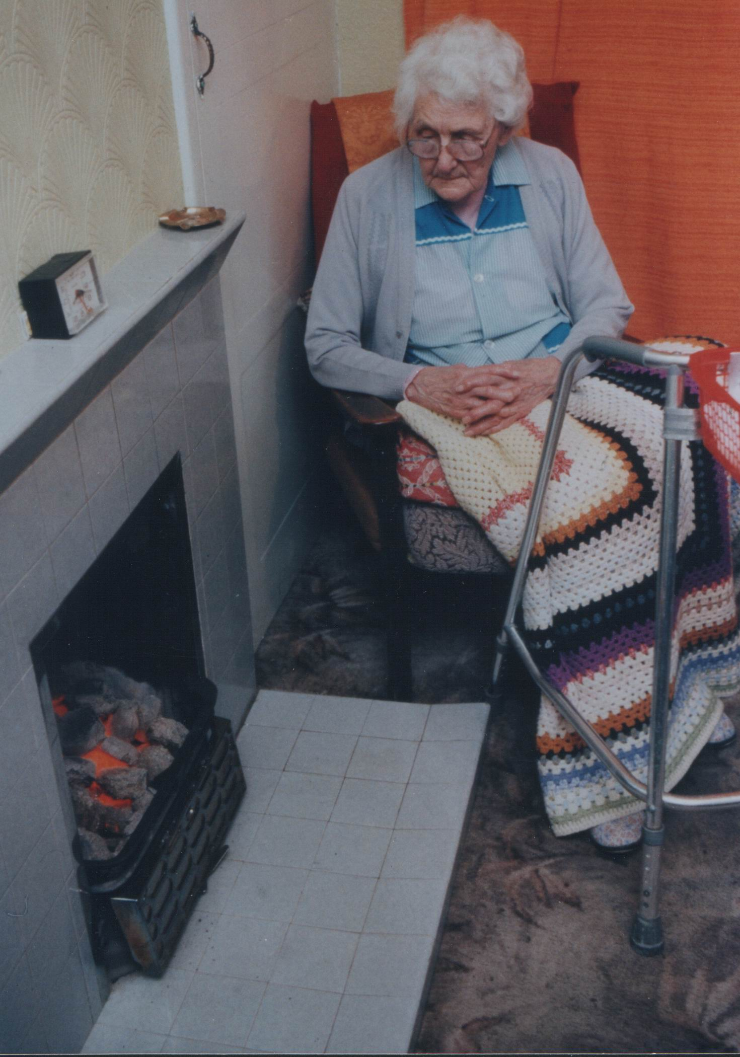 Elderly lady with blanket (credit NEA)
